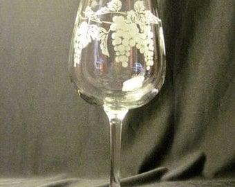Decorative Grape Vine Wine Glass | Set of 2
