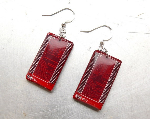 Circuit board geekery earrings Shining red - recycled computer