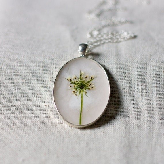 pressed flower necklace snowflake real resin queen annes lace botanical pendent christmas holiday winter fashion handmade jewelry silver