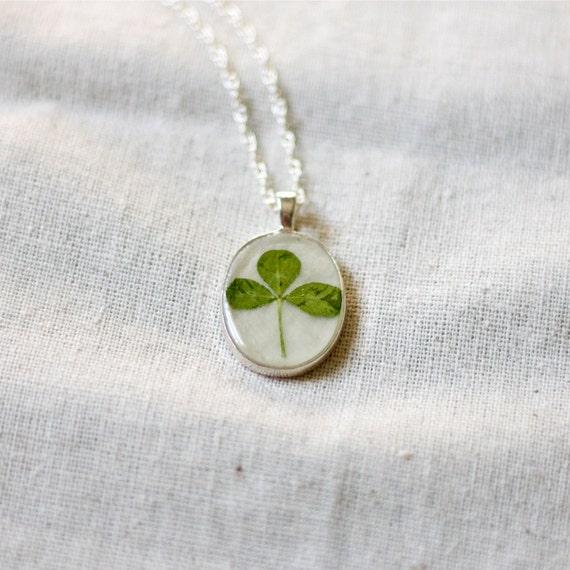 real clover shamrock jewelry pendant handmade botanical necklace lucky charm green woodland beautiful saint Patricks day