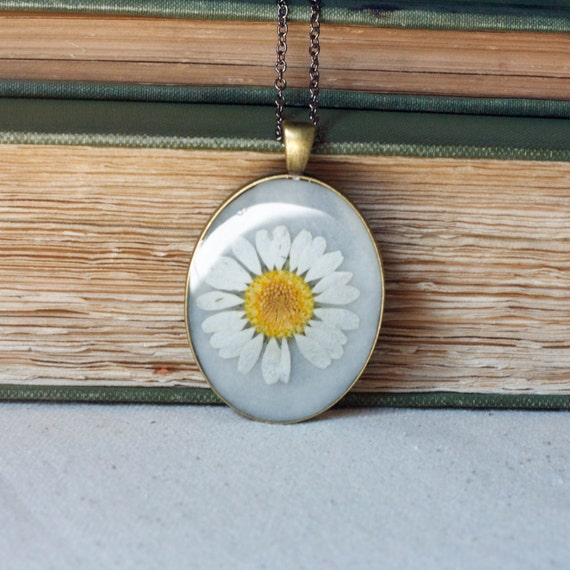 pressed flower necklace white daisy real pressed botanical Pendant Jewelry