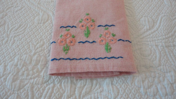 Vintage Guest Towel with Peach Floral Embroidery
