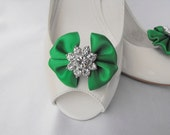 Handmade bow shoe clips with rhinestone center bridal shoe clips wedding accessories in emerald green