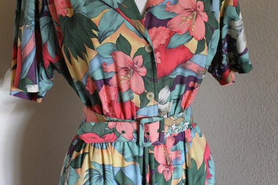 Vintage Shirtwaist Day Dress Floral Polynesian Print  Size 10 by Carol Anderson Short Sleeves,Full Skirt Matching Belt