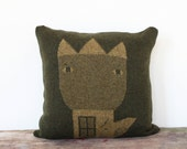 Decorative Pillow -Flower Queen - soft knitted pillow - green/olive green, 18x18, includes insert