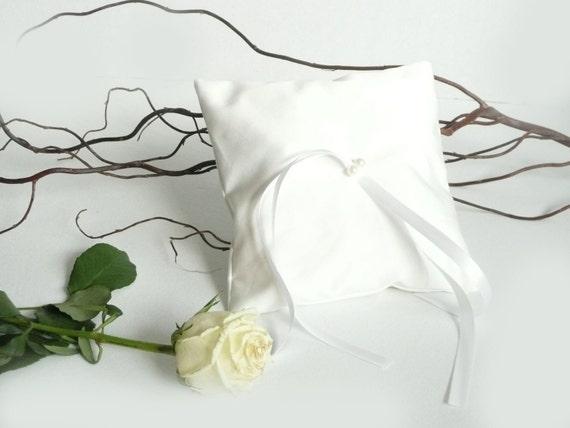 Wedding ring cushion  -  Ring bearer pillow
