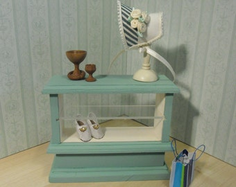 Dollhouse Miniature Shop Counter. Made by Linda Elgenes by Snowflake Miniatures.From SnowflakeMiniatures
