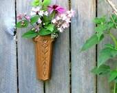 Vintage Folk Art Wall Pocket, Homco, Decor, Resin Wall Vase