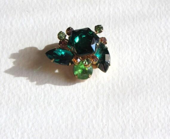 Vintage Emerald Green and Rhinestone Clip Earrings Beau Jewels 1980s Marquis Peridot Green
