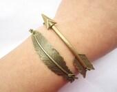 Combination bracelet---antique bronze arrow and feather pendant&alloy chain