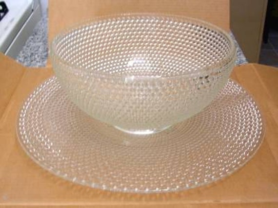 Lovely Vintage Westmoreland Hobnail pattern Punch Bowl with Underplate
