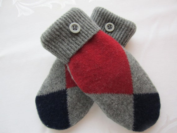 Women's lambswool mittens in large-scale argyle weave of red, navy and grey