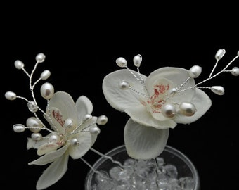 Set of 2 Phalaenopsis orchid with Fresh Water Vine Center Hair Pins