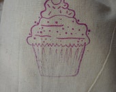 Cupcake Favor Bags- Happy Birthday Muslin Bags-Party Favors-Set of 10