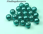 20 - 8mm Teal Glass Pearls 8b052-2