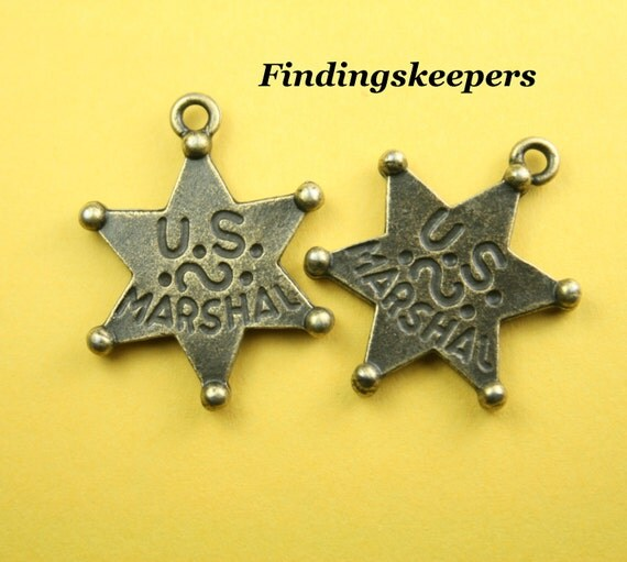 6 Star Charms Marshal Badge Antique Bronze Tone Double Sided  30 x 25 mm - bz070
