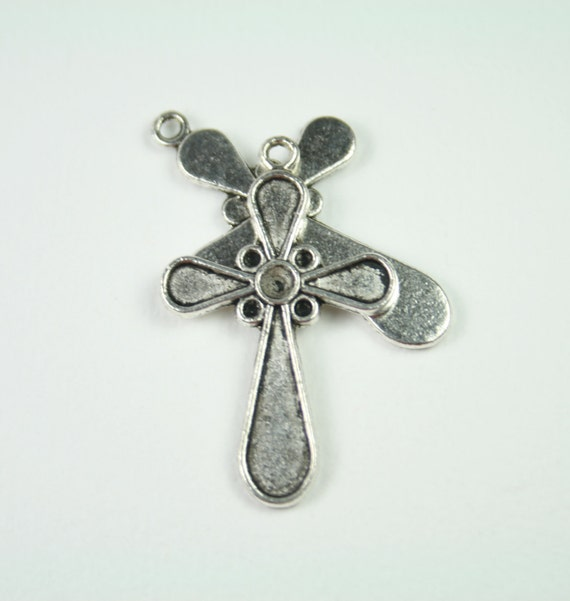 Cross Charm, 2 Charms Antique Silver Tone Metal  - ts080-1