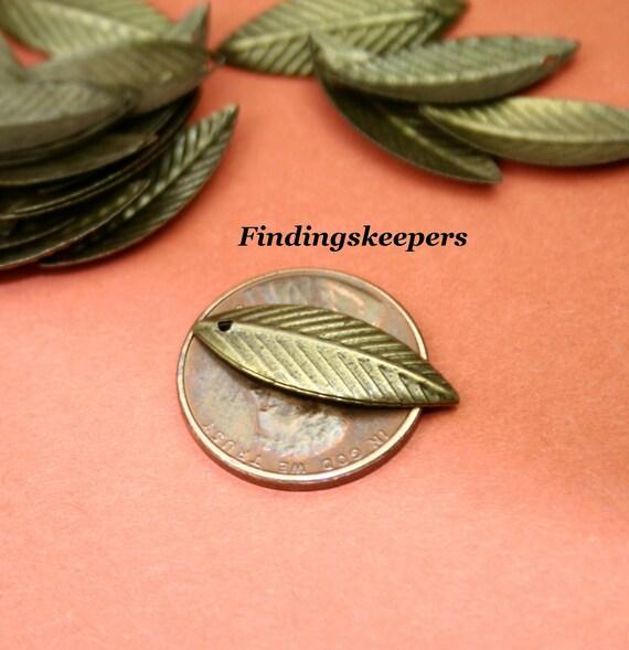 25 Leaf  Charms Antique Bronze Tone  27 x 7 mm -  bz086