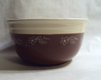 Vintage Universal Cambridge Pottery Oxford Stoneware Brownie Ware Mixing Bowl 8 Inch