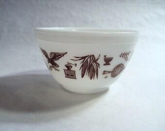 Vintage Corning Glass Pyrex Early American Pattern 401 Mixing Bowl 1 1/2 Pint