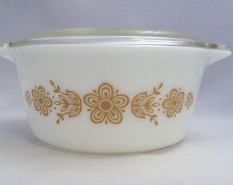 Corning Glass Pyrex Butterfly Gold Covered Casserole Dish 1 1/2 Quart