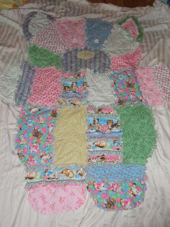 Cat shaped rag quilt blanket