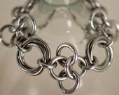 Aluminum Mobius Link & European Four in One Clover Bracelet