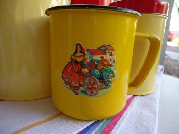 4 - Retro 1950s Mexican/Spanish Enamelware Cups - Yellow with Vintage Decals - Senor, Senorita