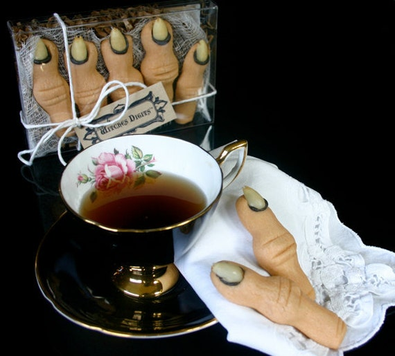 "12 - Five Finger Gift Boxes of Creepy Halloween Cookies - ""Witches Digits"" in your choice: Maple and/or Almond"