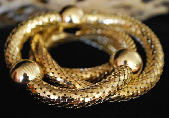 VINTAGE WHITING       DAVIS  necklace .Very Elegant  jewelry piece