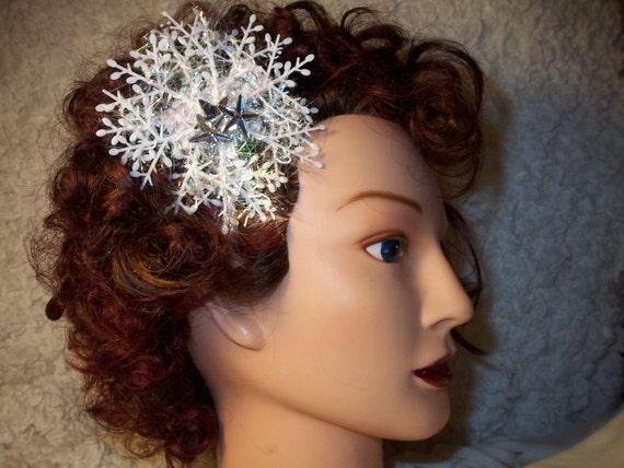 SALE-Snowflake hairclip with rhinestones
