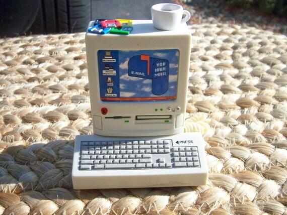 Vintage desktop computer magnet