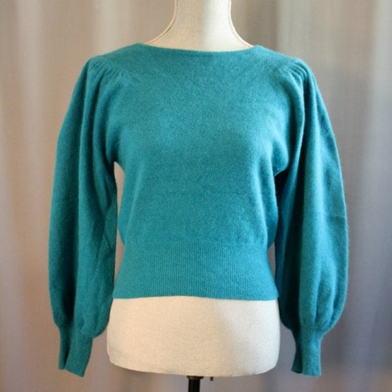 Vintage Cropped Turquoise Pullover // Lambswool and Angora // Robinsons