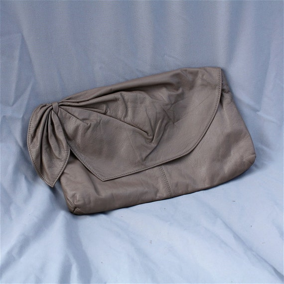 Vintage Taupe Clutch // Leather
