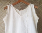 Vintage sleveless nightgown in cotton with crochet Lace trim