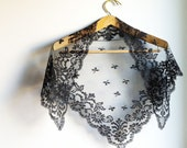 Black Triangular Chapel Veil / Mantilla - Vintage lace