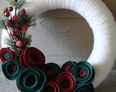 Yarn Wreath Handmade Decoration- Classy Christmas 12inch