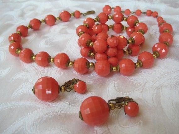 Vintage Coral Bead Necklace Bracelet Earrings