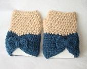 Blueberry Oatmeal Bow Fingerless Gloves
