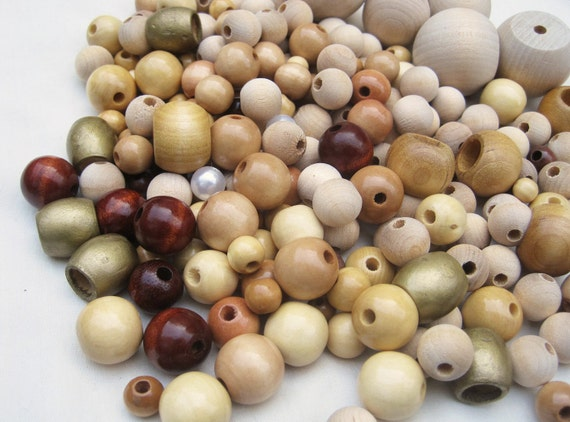 Variety lot of vintage wooden beads