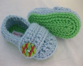 Spring. Baby Boy Shoes / Slippers / Booties Green & Blue Crochet - YOUR choice size newborn - 12 months - photo prop - children