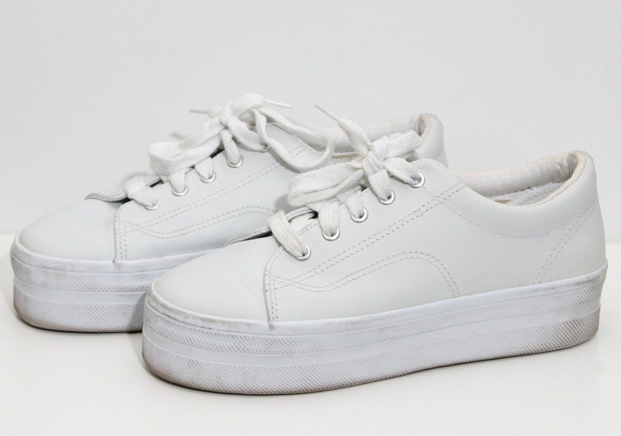 Chunky White 90s Platform Sneakers Size 9.5