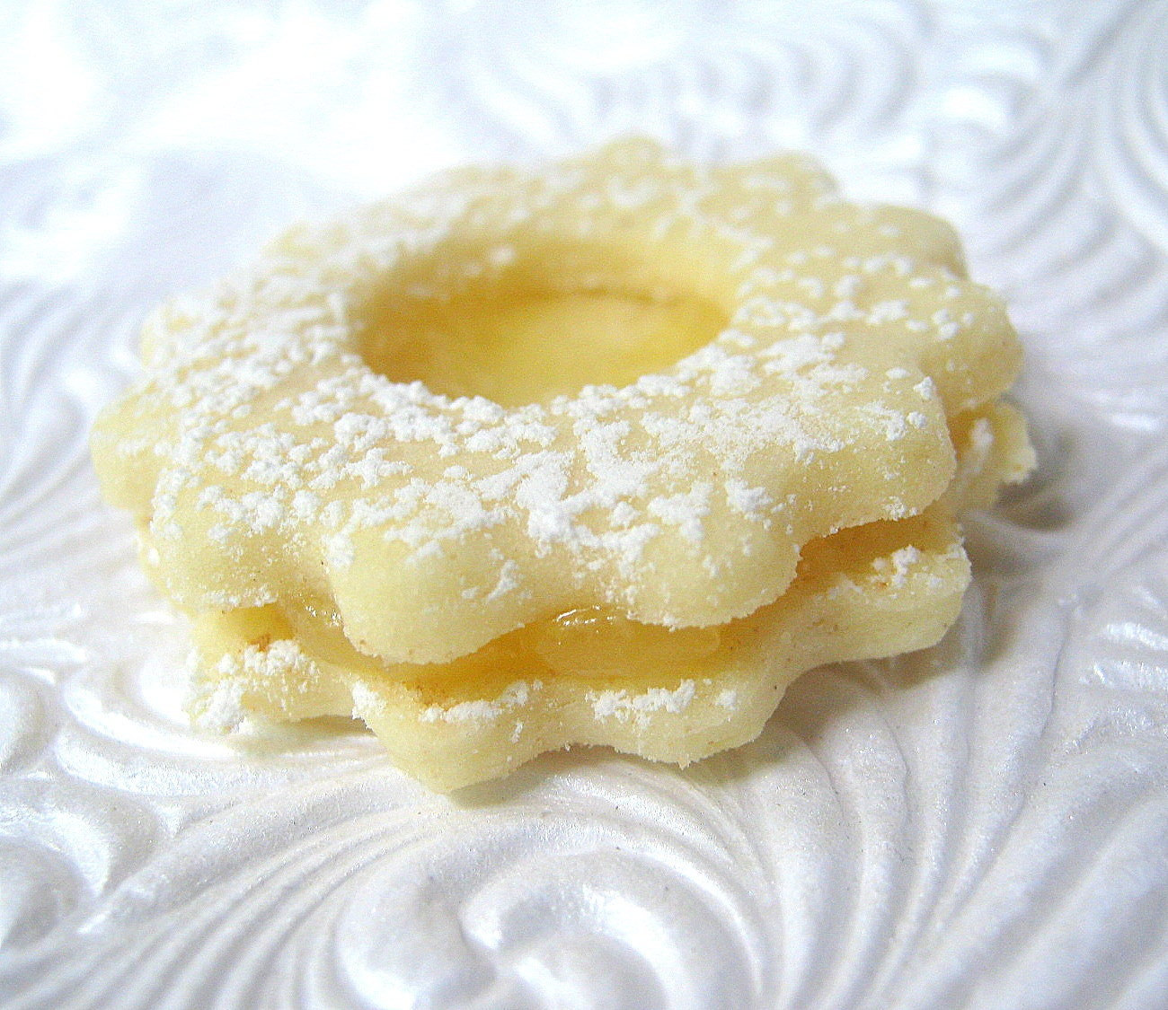 Lemon Linzer Cookies Sandwich Cookie Dessert by SugarMeDesserterie