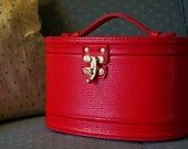 1940s / 1950s Vintage .. Train Case - Red .. Discovered in North Hills, CA