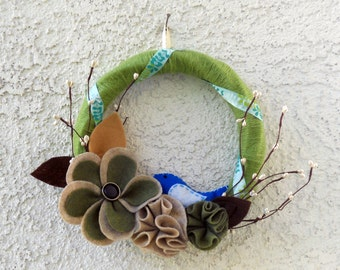 Woodland nature felt and yarn wreath with blue bird, spring decor, yarn wreath, summer wreath, spring flower wreath, bird wreath