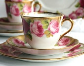Royal Albert Old English Rose tea set: beautiful tea cup, saucer and plate from the early 1930s - perfect for a vintage tea party