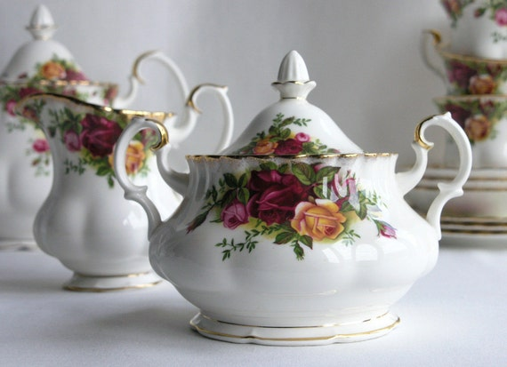 """RESERVED FOR WEDAD Royal Albert """"Old Country Roses"""" lidded sugar bowl and creamer"""