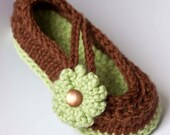 CROCHET PATTERN Baby Booties: Daisy Baby Mary Jane Shoes pdf