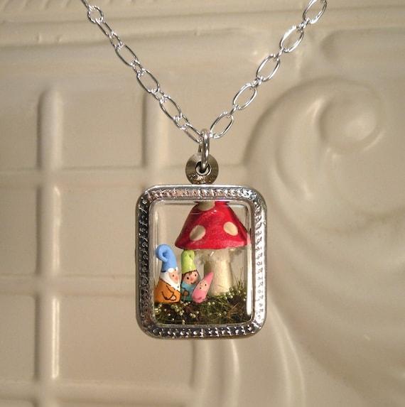 Terrarium Gnome Family Mom Dad and Baby Pendant Personalized Custom Order terrarium necklace Family Garden Gnome Baby Gnome Amanita Mushroom