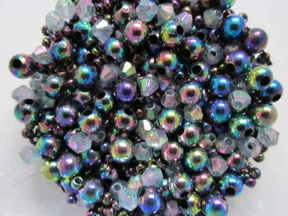 Tiny Beads, Peacock Colors
